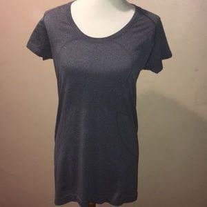 Lululemon Run Swiftly gray short sleeve. Size 10